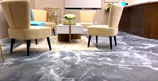 Sala con porcelanato liquido